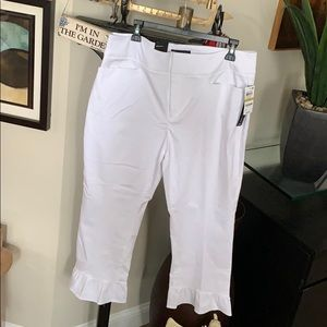 Ruffled Bottom White Pants Size 14